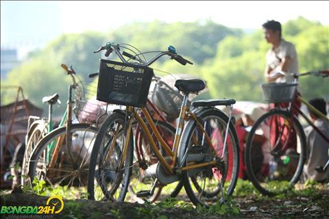 Phuong tien di chuyen chu yeu cua NHM Myanmar den san la xe dap.