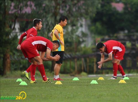 DT Viet Nam con mot buoi tap lam quen san tai Thunwunna vao chieu 19/11.