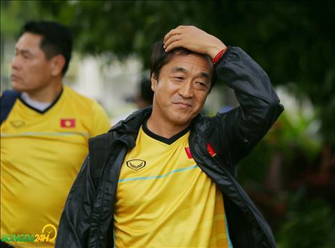 Trợ lý Lee Young-jin tiết lộ mục tiêu của ĐT Việt Nam tại Asian  hình ảnh