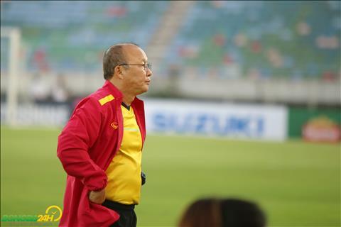 Báo Hàn nhận định cơ hội đi tiếp của ĐT Việt Nam tại AFF Cup 2018 hình ảnh