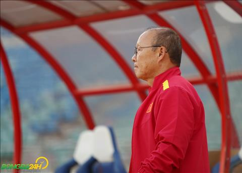 HLV Park Hang Seo thực hiện nghi lễ lạ trong buổi tập cuối trước trận gặp Myanmar hình ảnh 2