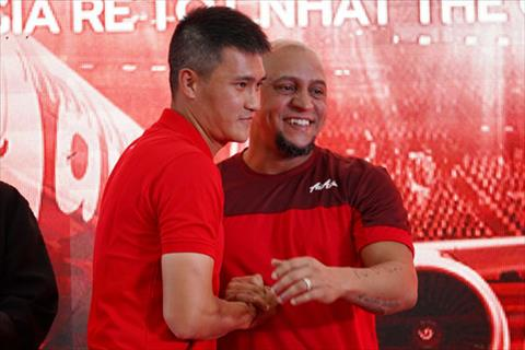 Huyền thoại Roberto Carlos đến Hà Nội dự khán trận Việt Nam vs Malaysia hình ảnh 3