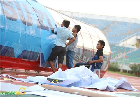 Một ngày trước trận Myanmar vs Việt Nam, sân Thunwunna vẫn còn bề bộn  hình ảnh 3