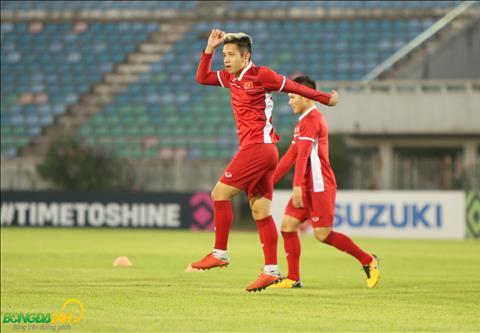 Hong Duy rat tich cuc tham gia cac bai tap de co co hoi lan dau ra san da chinh tai AFF Cup 2018.