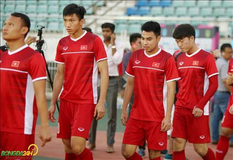 Tập làm quen sân đấu Myanmar, ĐT Việt có còn gặp trở ngại về thời tiết  hình ảnh 2