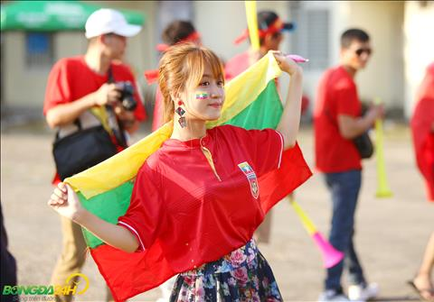 Cac nu CDV Myanmar cung rat an tuong voi canh tuong CDV Viet Nam toi san Thunwunna co vu cho tran dau.