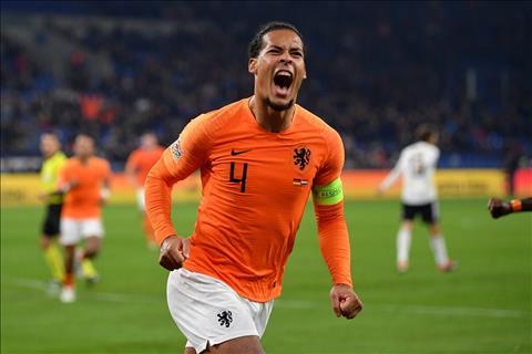 Sắm vai người hùng của Hà Lan, trung vệ Van Dijk nói gì hình ảnh
