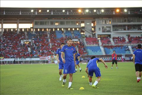 TRỰC TIẾP Myanmar 0-0 Việt Nam (H2) Văn Đức sút trúng cột dọc, Quang Hải bỏ lỡ cơ hội hình ảnh 3