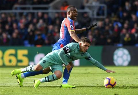 Ngoại hạng Anh 201819 Thống kê sốc về Hazard và Torreira hình ảnh