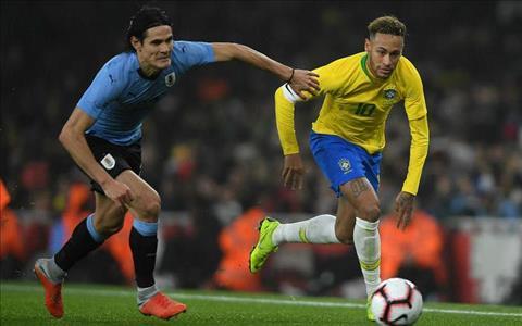 Edinson Cavani phát biểu về Neymar trước các phóng viên hình ảnh