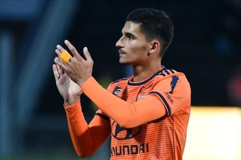 Chi 30 triệu bảng, Chelsea muốn mua Houssem Aouar của Lyon hình ảnh