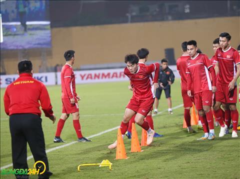 Tai AFF Cup 2018, man trinh dien cua Luong Xuan Truong khong qua thuyet phuc.