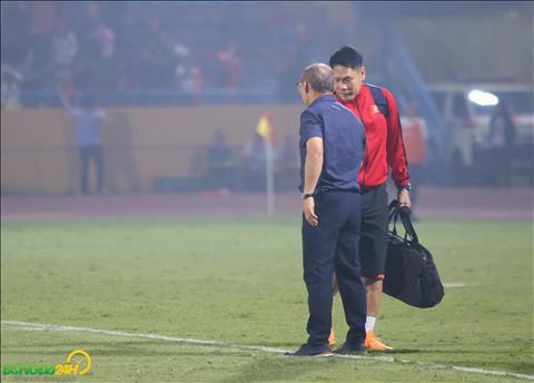 Thay Park bat tay HLV thu mon Nguyen Duc Canh.