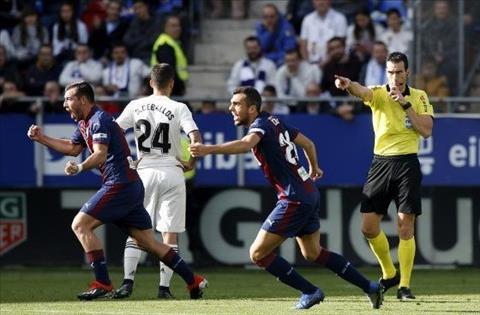 Real thua 0-3 Eibar