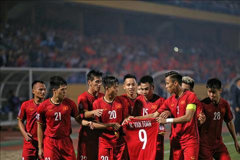 Việt Nam 3-0 Campuchia (KT) Cất nhiều trụ cột, VN vẫn vào bán kết AFF Cup 2018 với ngôi nhất bảng A hình ảnh 2