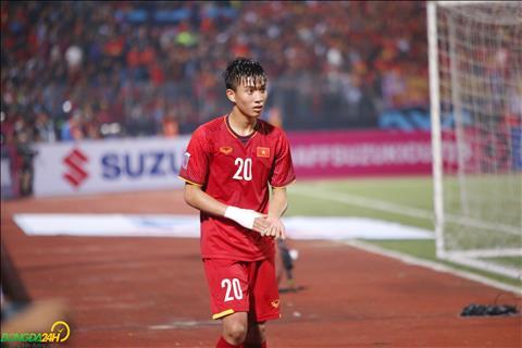 DT Viet Nam danh bai Campuchia nhung cung phai tra gia bang chan thuong cua Phan Van Duc.