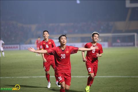 Phan Van Duc la cau thu ghi ban an dinh chien thang 3-0 cho DT Viet Nam.