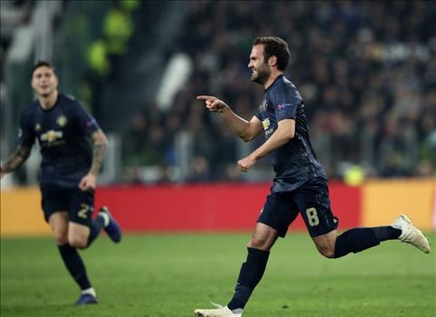 Juan Mata ghi ban khi vao san tu bang ghe du bi