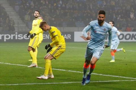 HLV Sarri dành lời ca ngợi Olivier Giroud sau khi ghi bàn hình ảnh