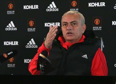 Mourinho so rang MU se khong mua cau thu vao thang 1