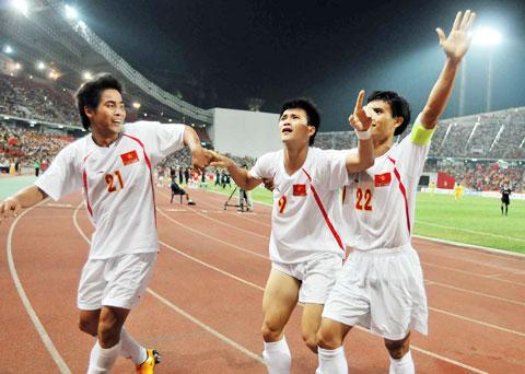 DT Viet Nam vo dich AFF Cup 2008 sau thang loi o tran chung ket luot di tai Bangkok
