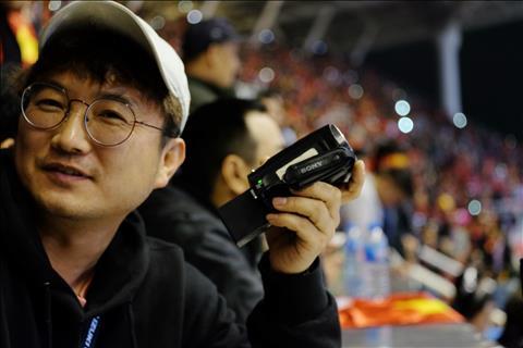 Phóng viên Hàn Quốc tới đưa tin về trận chung kết AFF Cup hình ảnh