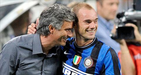 Sneijder nhan MU kien nhan voi Mourinho