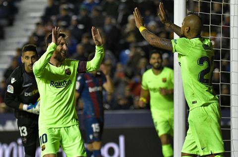 Pique khen ngoi bo doi Suarez va Messi