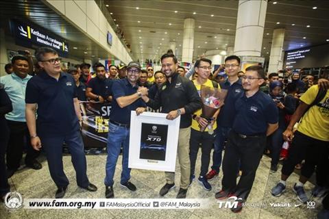 ĐT Malaysia được chào đón đặc biệt ở quê nhà hình ảnh