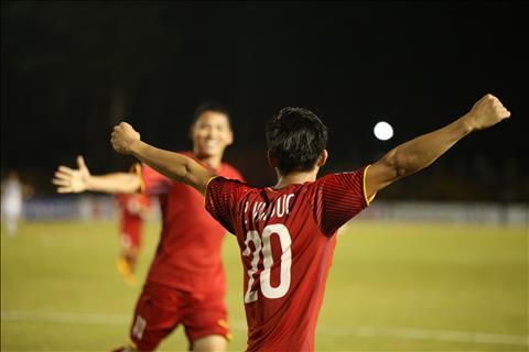 Văn Đức tin tưởng ĐT Việt Nam sẽ vào chung kết AFF Cup hình ảnh