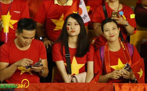 Du xa xoi nhung rat nhieu nu CDV Viet Nam van den Bacolod de tiep lua cho DT Viet Nam.