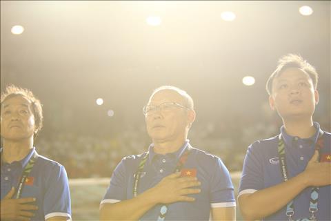 Philippines 1-2 Việt Nam (KT) Thắng thuyết phục, thầy trò HLV Park Hang Seo rộng cửa vào chung kết AFF Cup 2018 hình ảnh 2