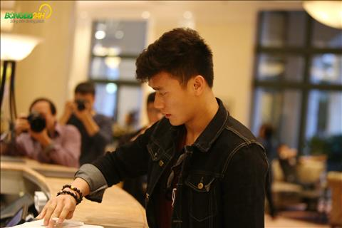 Theo le tan cho biet, Bui Tien Dung o chung phong voi Tan Sinh.