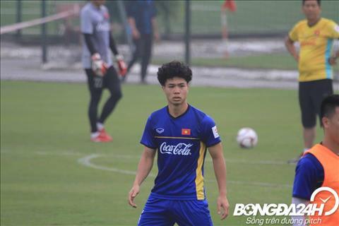 Cong Phuong thay doi kieu toc