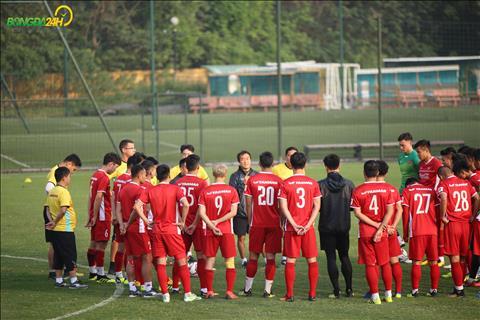 HLV Park Hang Seo da tro lai Han Quoc de nhan giai thuong Nhan vat cua nam tu hom qua.