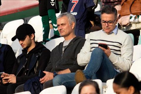 Mourinho trở về quê nhà sau khi bị MU sa thải hình ảnh