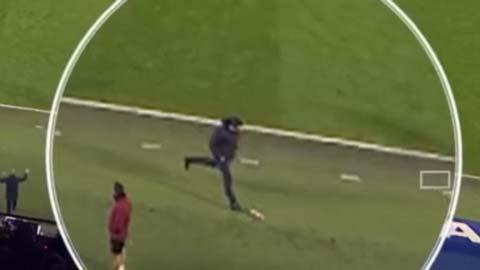 HLV Unai Emery có thể nhận án phạt từ FA hình ảnh
