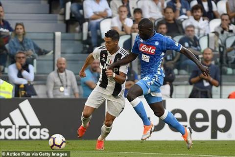 Ronaldo bảo vệ Koulibaly bị phân biệt chủng tộc trận Inter Milan hình ảnh