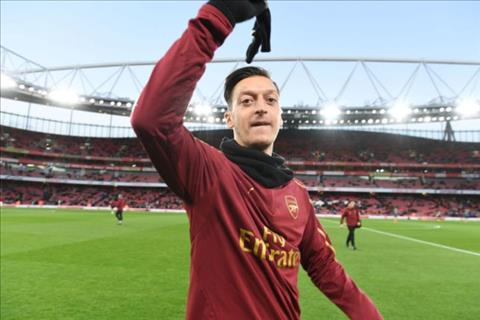 HLV Unai Emery nói về Mesut Ozil trước trận gặp MU hình ảnh