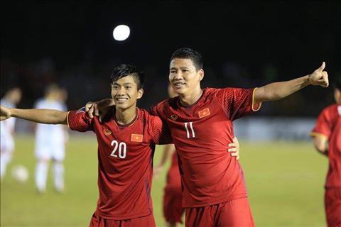Bo doi Anh Duc va Van Duc toa sang o tran Philippines 1-2 Viet Nam
