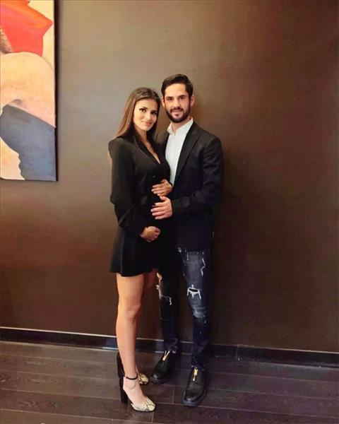 Tiền vệ Isco và bạn gái chuẩn bị đón con đầu lòng hình ảnh
