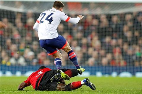 Giữa lịch thi đấu khốc liệt, MU nhận tin dữ về bản hợp đồng của Mourinho hình ảnh