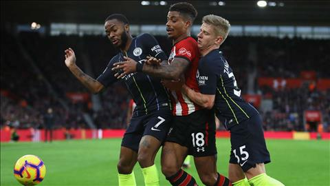 Sterling thach thuc Liverpool