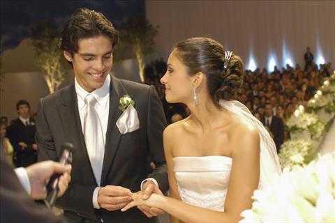 Ngôi sao Kaka hối hận vì tiết lộ chuyện còn zin trong ngày cưới hình ảnh