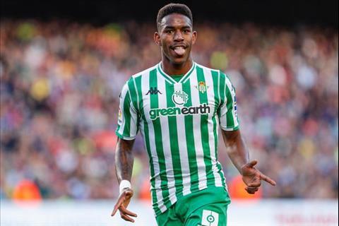 Man City quan tâm Junior Firpo của Real Betis vào tháng 1 hình ảnh