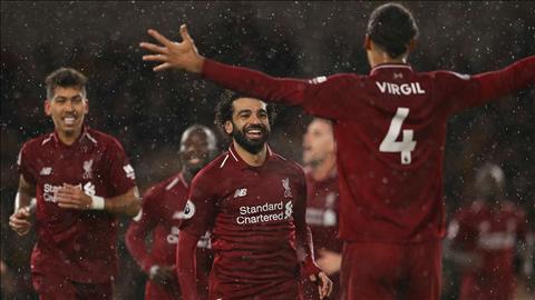 Van Dijk khen ngoi tam tau tren hang cong cua Liverpool