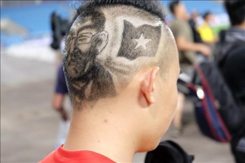 CĐV Việt Nam sở hữu kiểu tóc ấn tượng hình Park Hang Seo hình ảnh