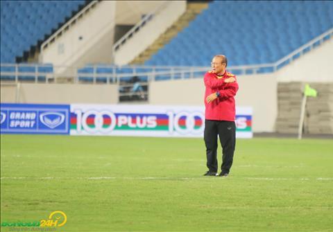 Trong buoi hop bao truoc tran dau, HLV Park Hang Seo nhac lai tran ban ket luot ve gap Malaysia tai AFF Cup 2014.