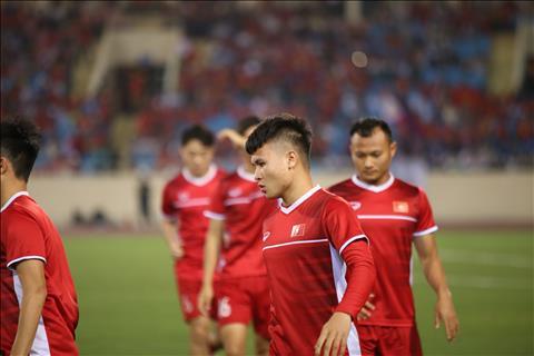 TRỰC TIẾP Việt Nam 0-0 Philippines (H1) Quang Hải móc bóng suýt thành bàn hình ảnh 2