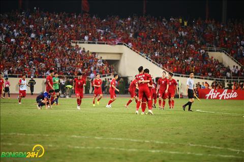 Vào chung kết AFF Cup 2018, ĐT Việt Nam ăn mừng vỡ hòa cảm xúc hình ảnh